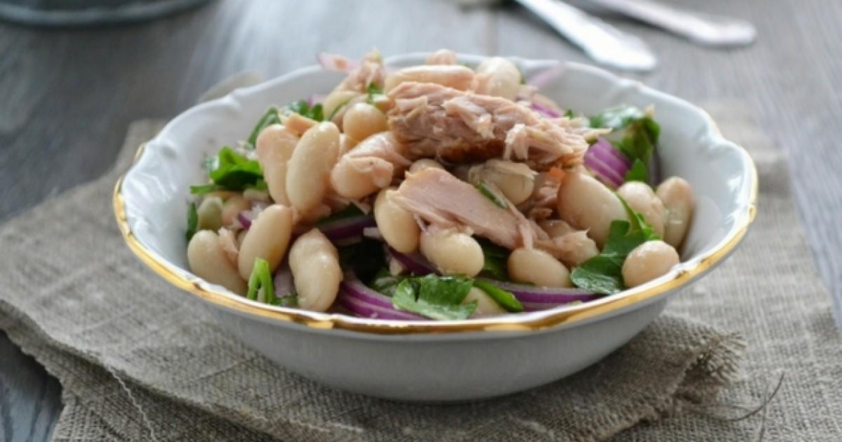 Salată cu ton și fasole