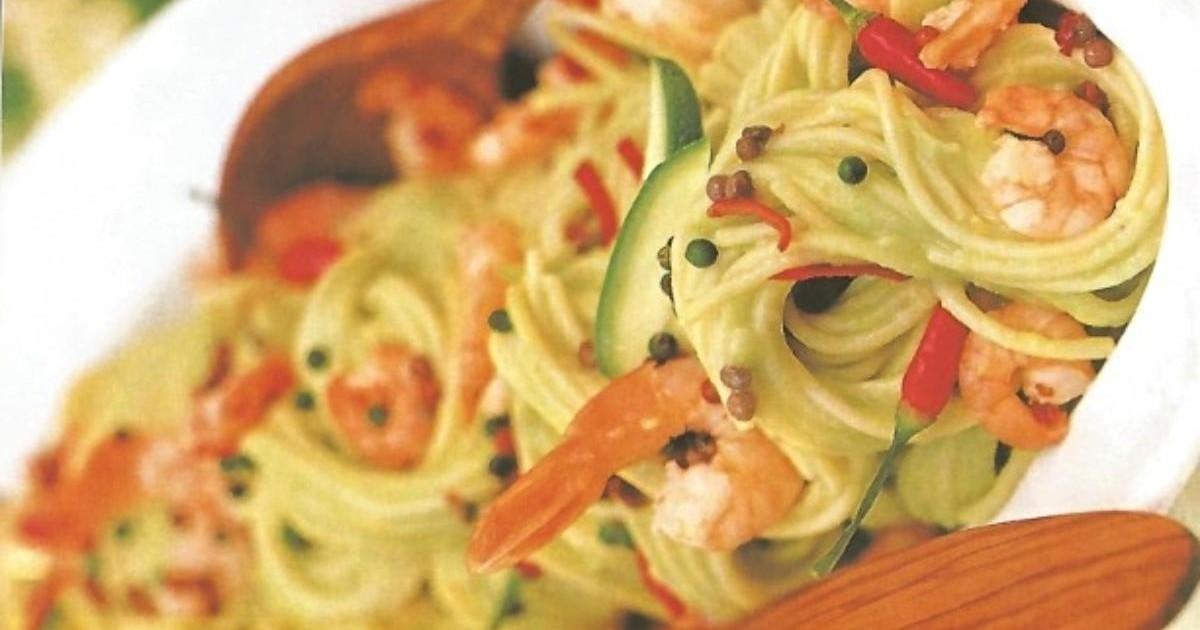 Spaghete cu creveti și avocado