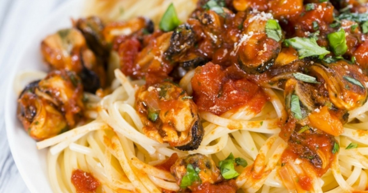 Spaghete cu midii fierte